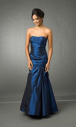 graceful lange blaue abendkleider dressestore. Black Bedroom Furniture Sets. Home Design Ideas